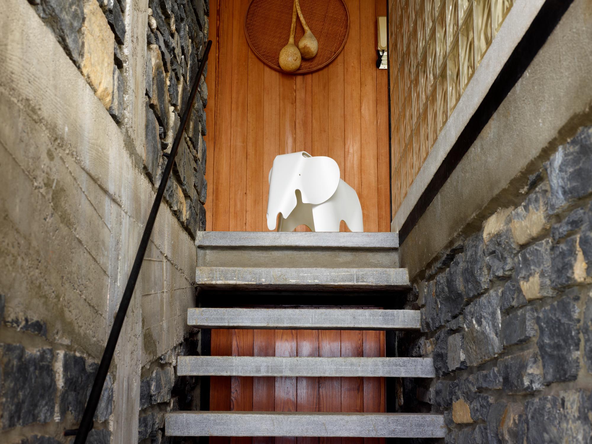 Eames Elephant Hocker Vitra