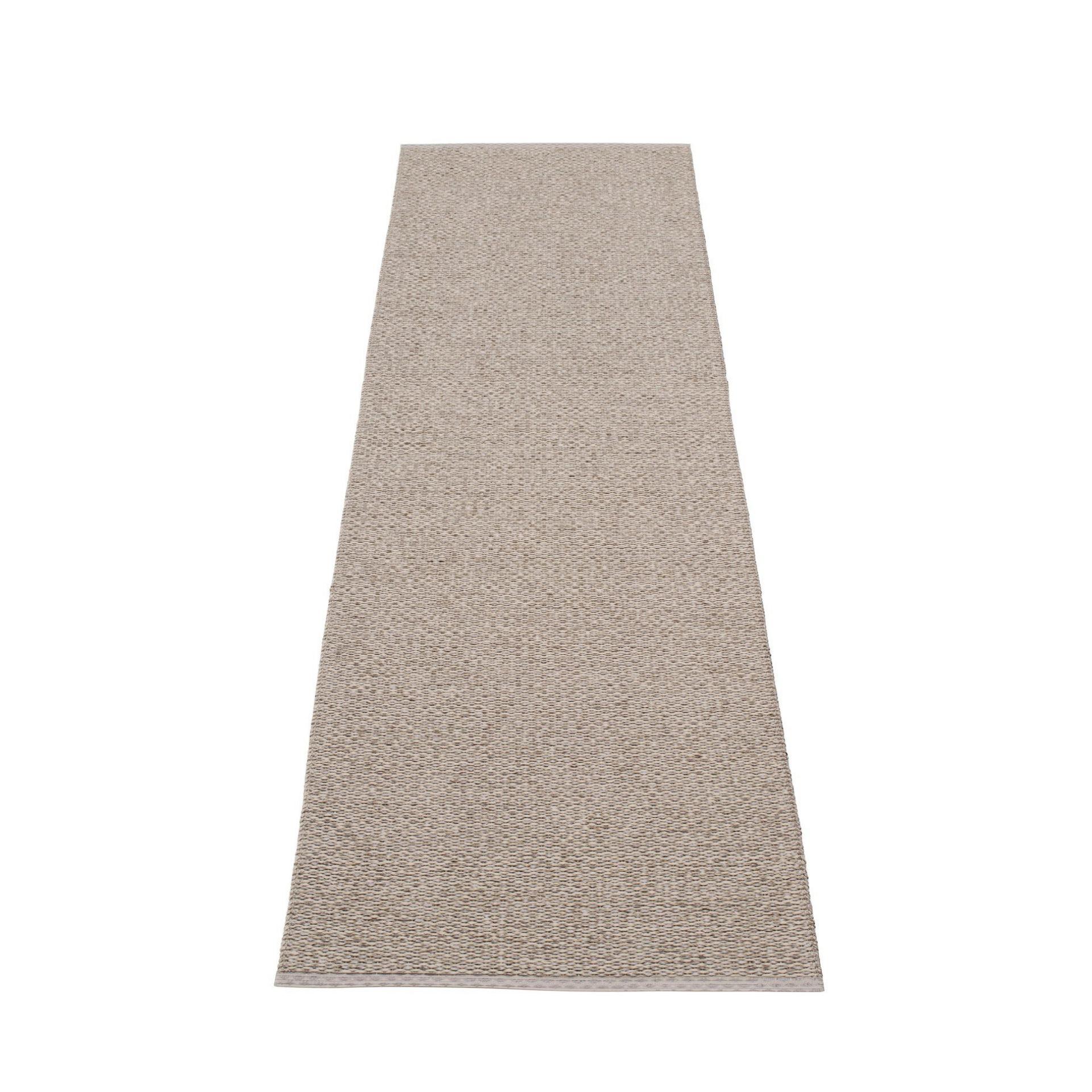 Svea Kunststoffteppich 70x240 cm Pappelina Schlamm