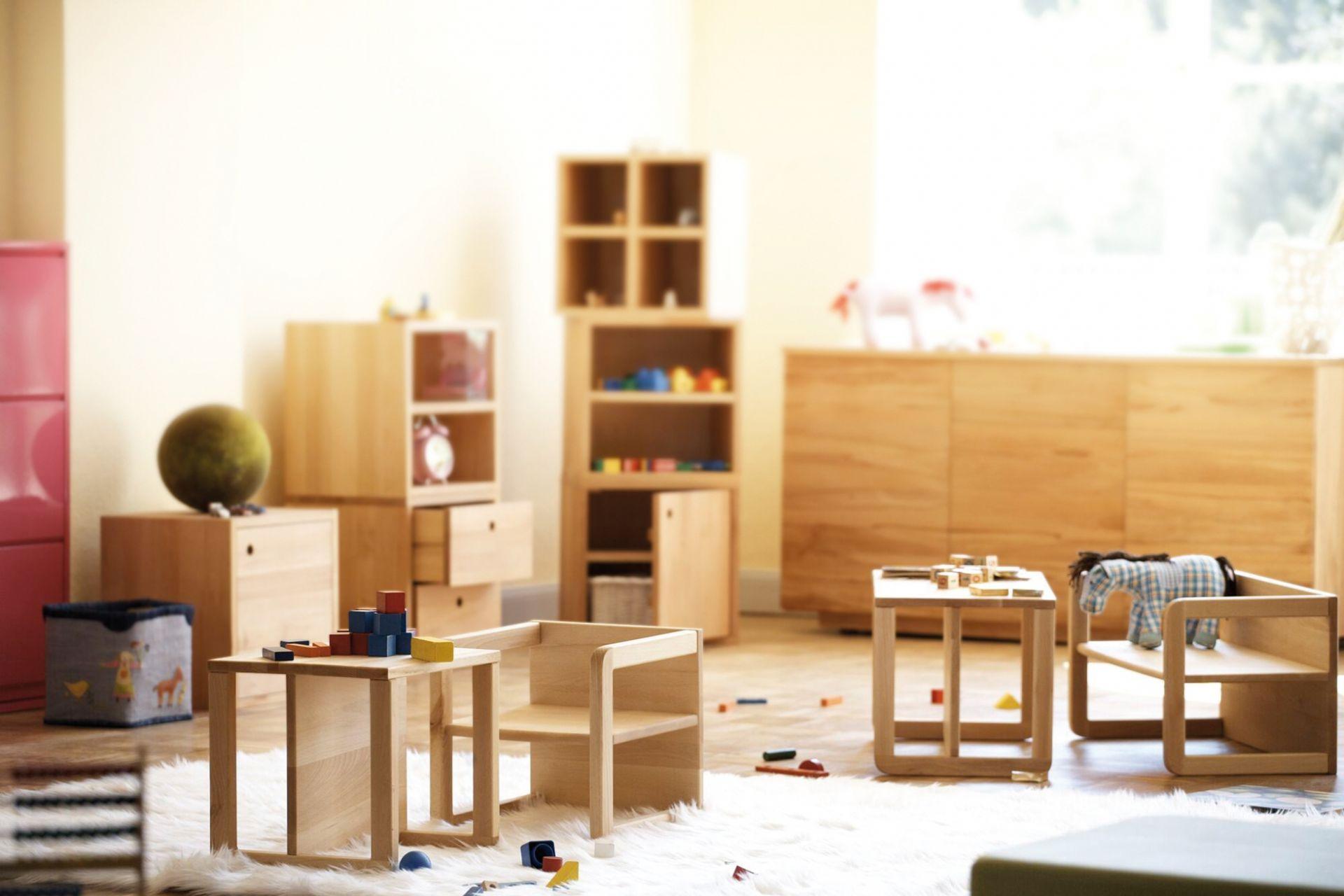 Hugo Kindersessel / Kindertisch Holz Jan Kurtz