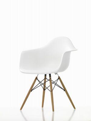 Eames Plastic Arm Chair DAW Stuhl weiß / Ahorn gelblich Vitra EINZELSTÜCK